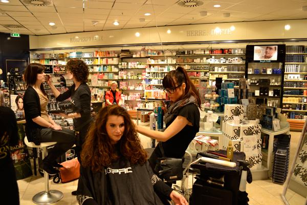 Februar 2012 Salon Haarschneider